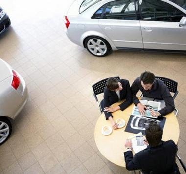Автомобильные номера скоро можно будет получить прямо в автосалоне